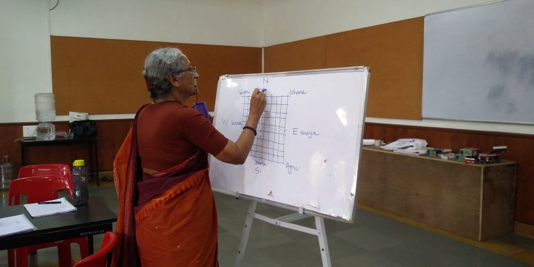 Smt Sashikala explaining the directions